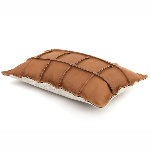 Väre pillow brown